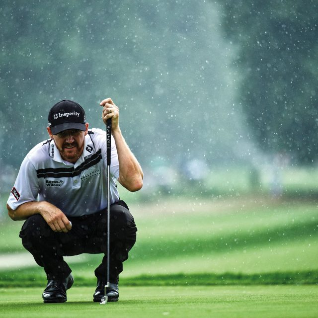 Jimmy Walker eyes a put